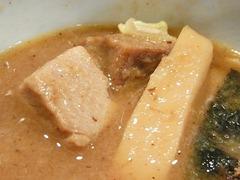 R0047912_田町三田製麺所ごろごろ肉とメンマ_20120205