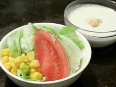 R0041469_田町ランチ_ホーカーズセットのサラダとデザート_20110412