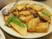R0012022_蓬莱閣のランチの5番豆腐と野菜のオイスターソース煮