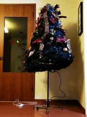 R0021900_クリスマスツリー設置中_20091123