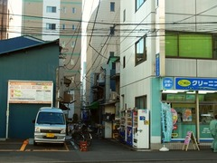 R0046982_人形町ランチ_との村遠景1_20111212