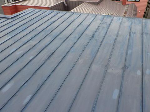 屋根全面研磨はとても時間がかかります