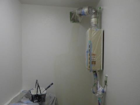 給湯室の上塗り