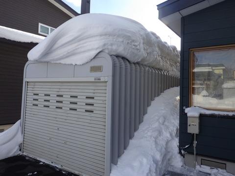車庫の雪下ろし