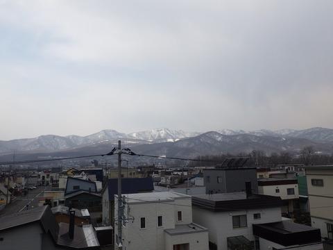 手稲山にはまだ雪が残っていますね~