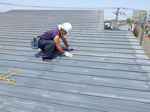 屋根全面は手掛けの研磨処理