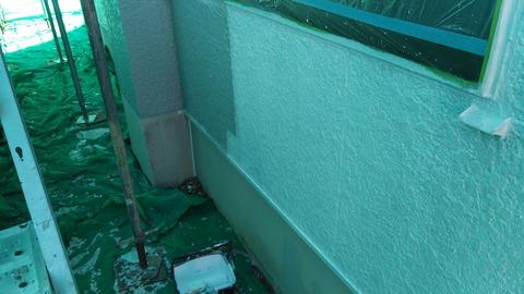 高圧洗浄作業後の下塗り