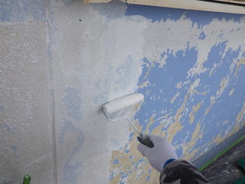 洗浄後に接着力の高いカチオンエポキシシーラーを塗装