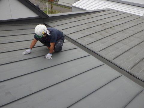 屋根トタン下地処理研磨