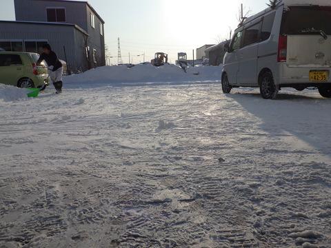 正月明け朝の雪かき