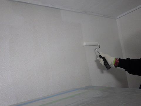 室内用塗料はほぼ無臭の水性塗料