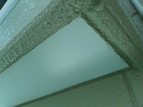 前回剥がれていた軒天井箇所