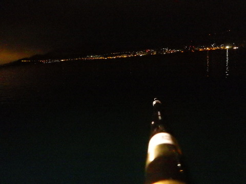 海の向こうには小樽の町明かり
