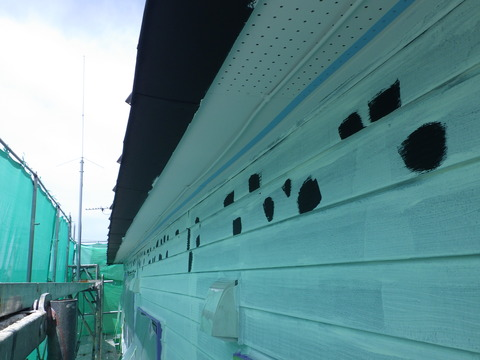 軒天井際にサビの予兆発見、黒サビタッチアップ