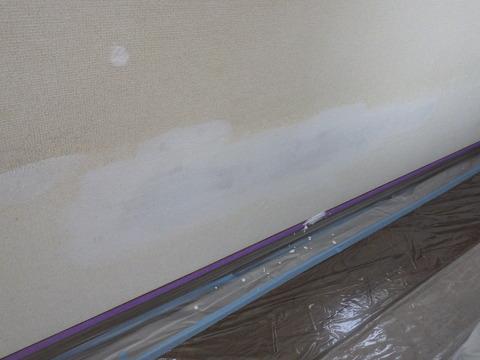 シミ止めシーラーを塗装します