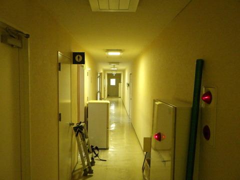 廊下①施工前