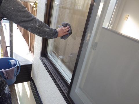 最後に窓をクリーニング