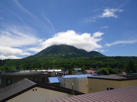 尻別岳、山頂雲かかってますね