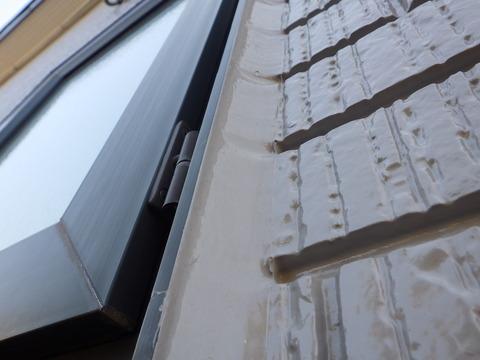 窓廻りシーリングは耐久性抜群の施工です
