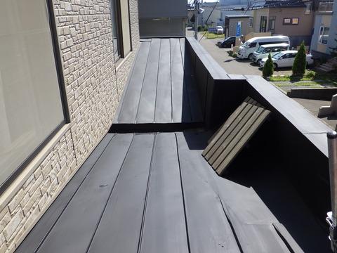 下屋根サビ止め塗装完了