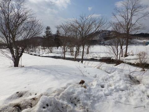 雪が残る3月の道南