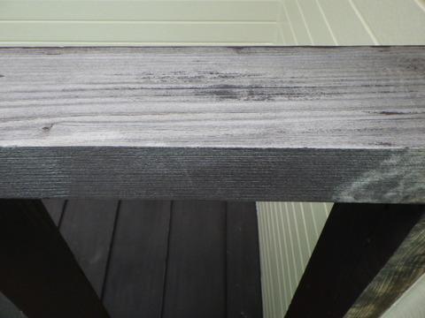 木部は既存塗装がほぼなくなっています