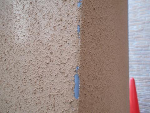 モルタル壁のコーナー材は剥がれやすい