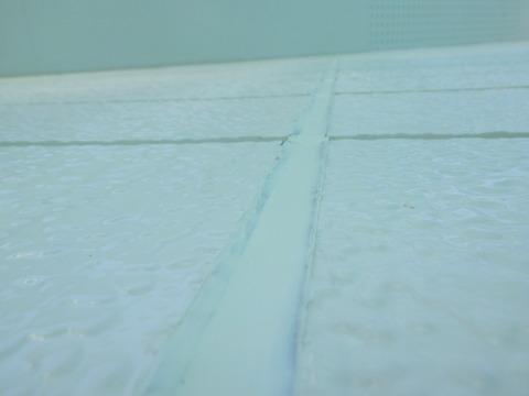 シーリング均しは厚みを極力確保する為にフラットに均します