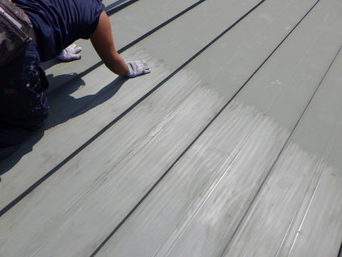 真夏の屋根上は体感気温40℃を軽く超えます!