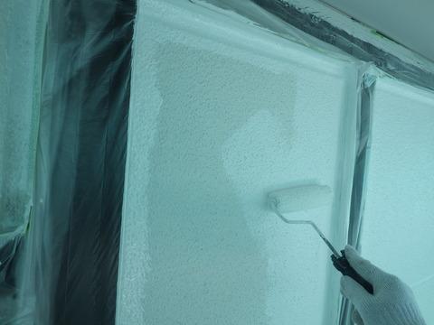 外壁微弾性フィラー下塗りです