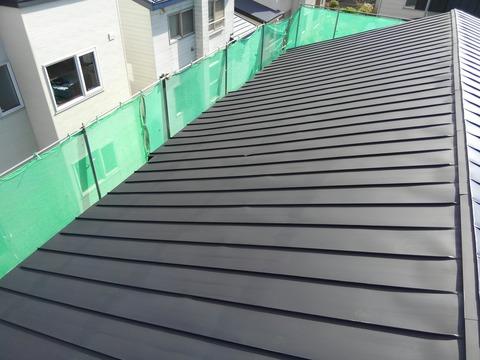 屋根黒色サビ止め塗装完了