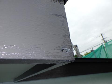 木製破風板の隙間