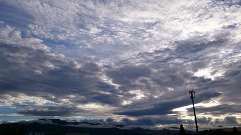 雨上がりの手稲山を望む