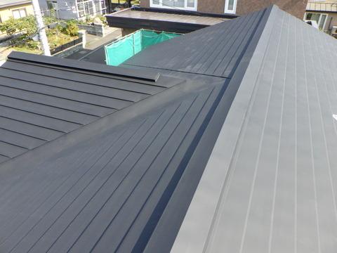 屋根ブラック錆止め塗装完了