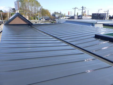 屋根ハイソリッドシリコン塗装完了