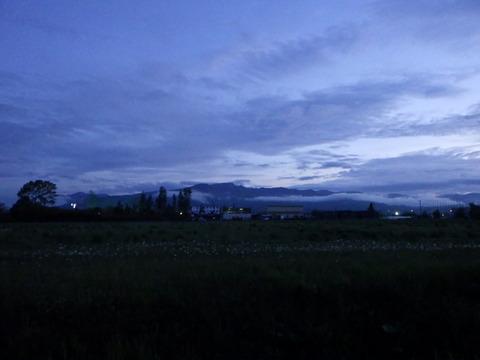 撮影時刻19:30、六月は日が長くて良いですね^^