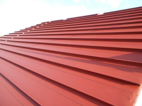 屋根赤錆色サビ止め塗装完了