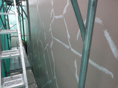 中塗り後に再度凹凸補修