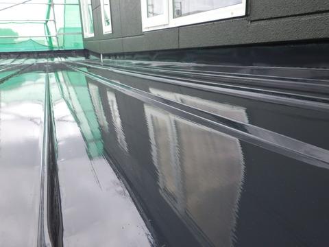 屋根塗装膜、厚みがありあります