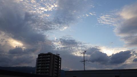 雨の前兆 鱗雲