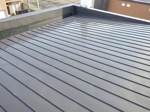 屋根の塗装、状態は良い