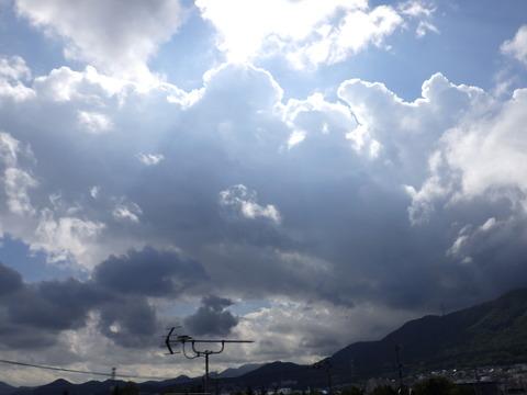 珍しく太陽光の青が強く出ていたのですが写真ではイマイチ^^;