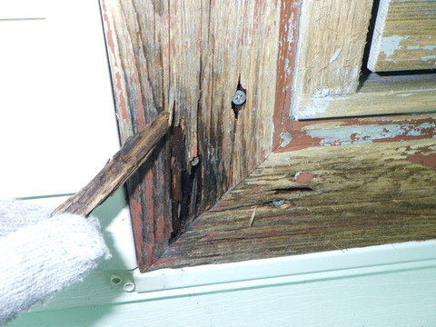 窓枠木部も腐食が進んでいます