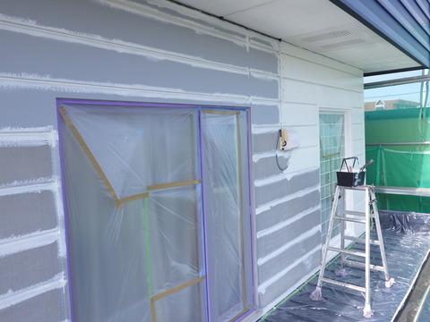 白色サビ止めを全面に塗装