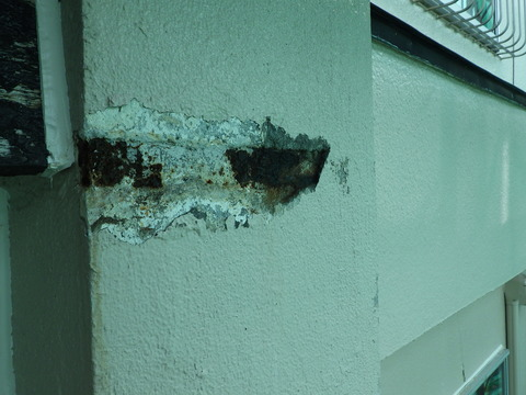 煙突のサビ爆裂欠損