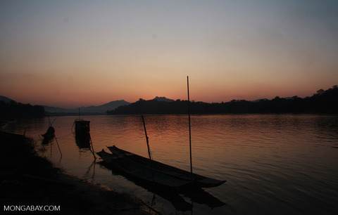 riverboats-sunset-laos-RB