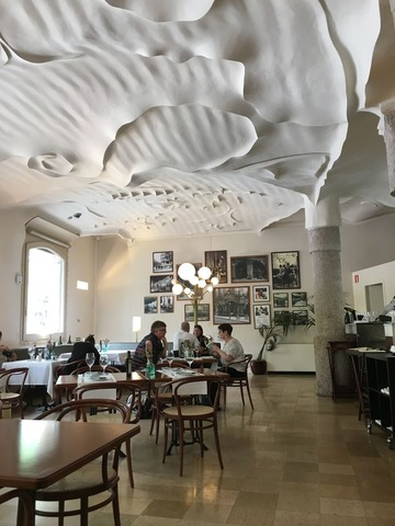 カサ・ミラのカフェ