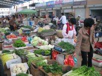 青島郊外の市場