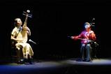 時の舞台 二胡と琵琶の演奏