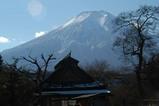 忍野からの逆光の富士山